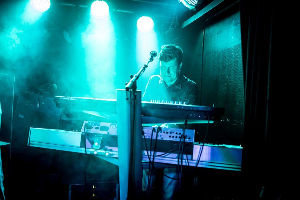Bo Karlsson - Keyboards & Backing Vocals